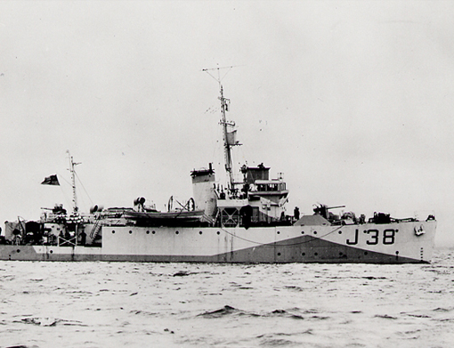 Commissioned at Vancouver April 2,1942, HMCS Caraquet was built for the Royal Navy and transferred to the RCN. Caraquet served on the West Coast from May 1942 to March 1943, on the East Coast from May 1943 to February 1944 and on the English Channel for invasion duties.