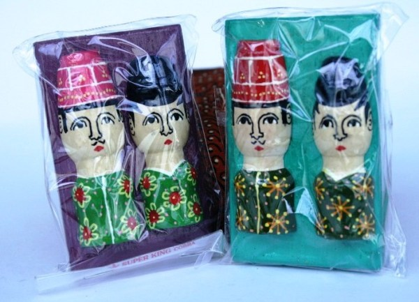 magnet kulkas batik couple