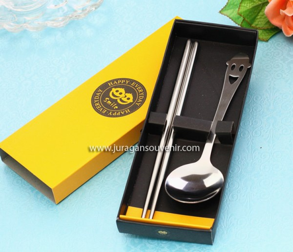 Yellow smiley box chopsticks spoon _1
