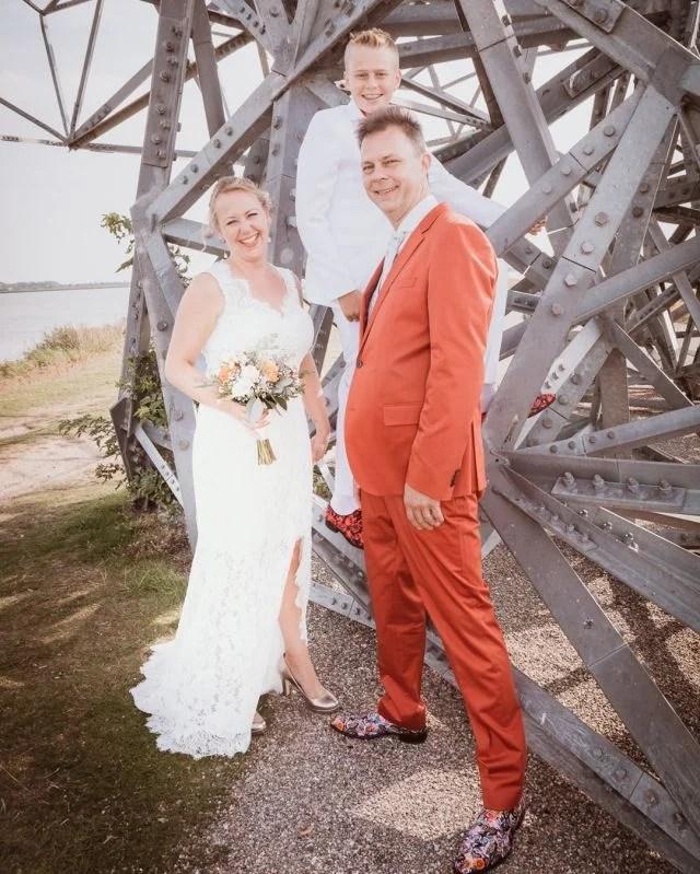Shoot nabij de Hurkende man in #Lelystad #fotograaf #fotografie #trouwfotograaf #bruidsfotograaf #trouwfotografie #bruidsfotografie #verloofd #huwelijksfotograaf #ikgatrouwen #bruiloftsfotograaf #trouwinspiratie #trouwenin2021  #huwelijksfotografie #wijgaantrouwen  #trouwen #huwelijk #bruiloft #bruiloftinspiratie  #trouwen2021 #trouwleveranciers  #safethedate  #love #liefde #wedding #trouwbeurs