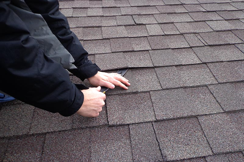 Replace a Roof Shingle Step 1