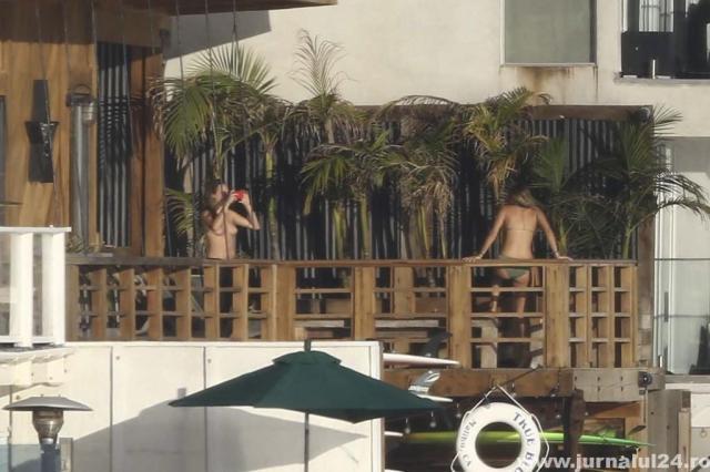 poze Cara Delevingne Topless Malibu