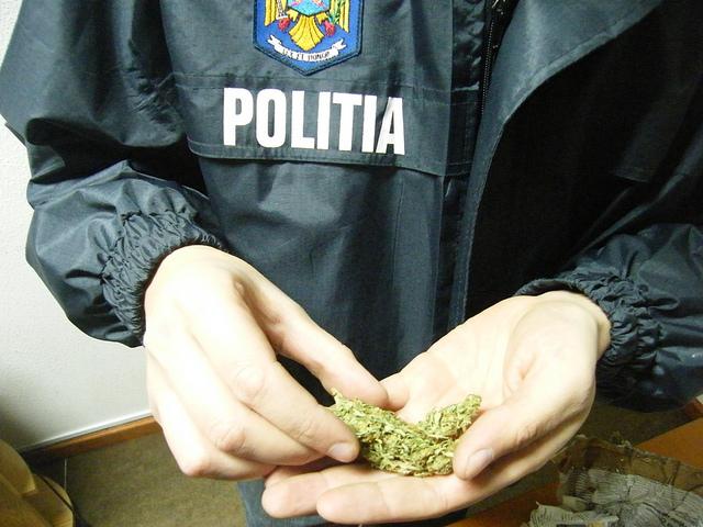 Traficant de droguri, prins în flagrant la Cluj. Procurorii nu s-au lăsat păcăliţi