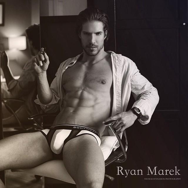 Ryan Marek poza tare