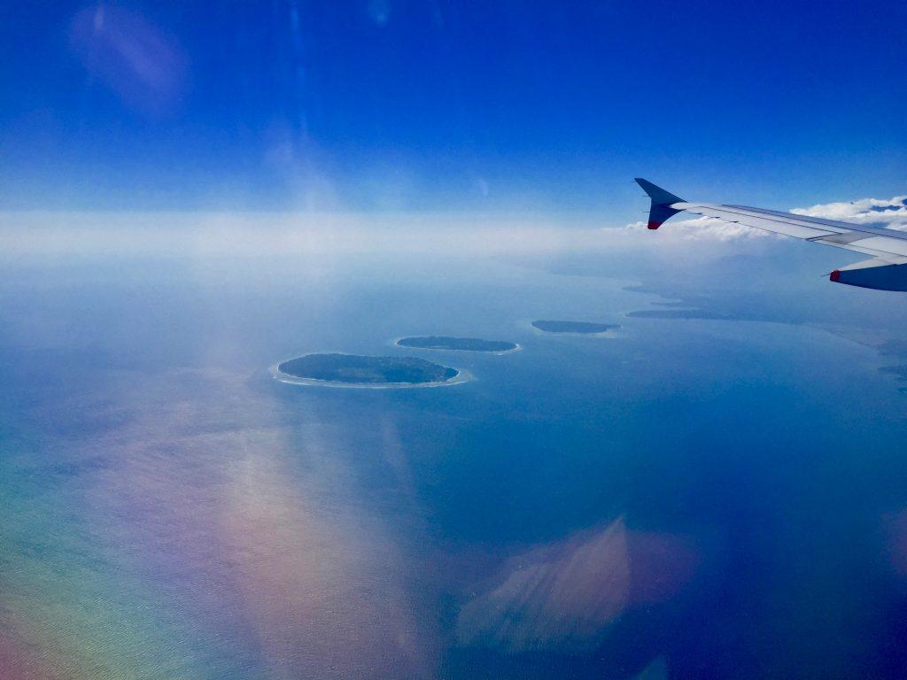 Drei Tröpfchen im Meer: Gili Trawangan, Gili Air und die kleine Gili Meno liegen direkt an der Westküste von Lombok. Rund um Lombok gibt es noch dutzende weitere Gili Inseln. Foto: Sascha Tegtmeyer