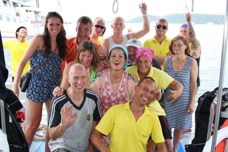 tauchsafari sea bees diving genesis I andamanensee similan islands surin islands richelieu rock Entspannte Truppe: Eine Tauchsafari steht und fällt mit den Teilnehmern! Foto: Sascha Tegtmeyer