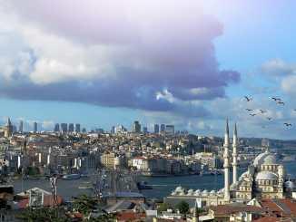 Gefahren in Urlaubsländern: Die Türkei gehört momentan nicht grade zu den sichersten Orten, die man als Urlauber besuchen kann. Foto: Pixabay