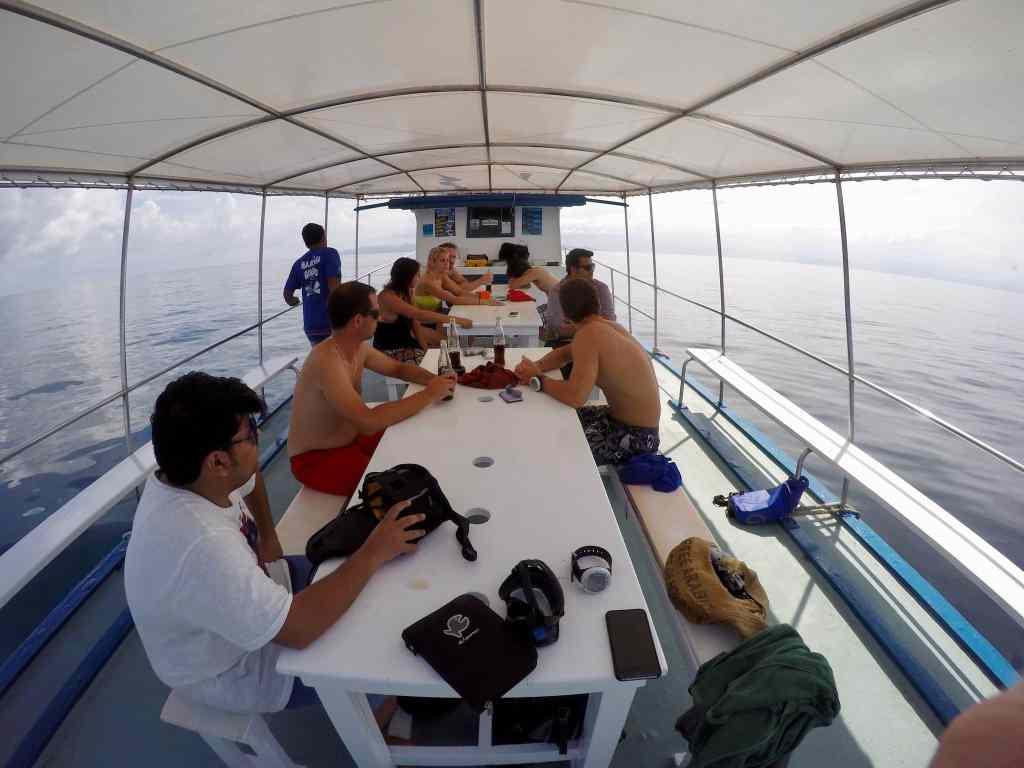 Auf dem Tagesboot der Haad Yao Divers geht es sehr entspannt zu. Foto: Sascha Tegtmeyer