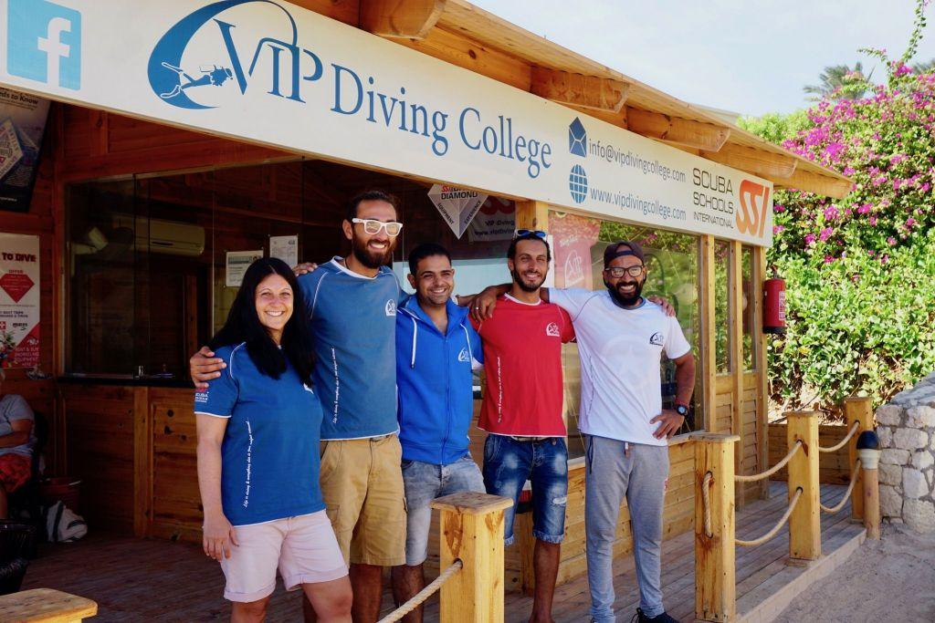 Team vom Vip Diving College: Bestes Tauchen mit einer jungen Tauchbasis. Foto: Sascha Tegtmeyer