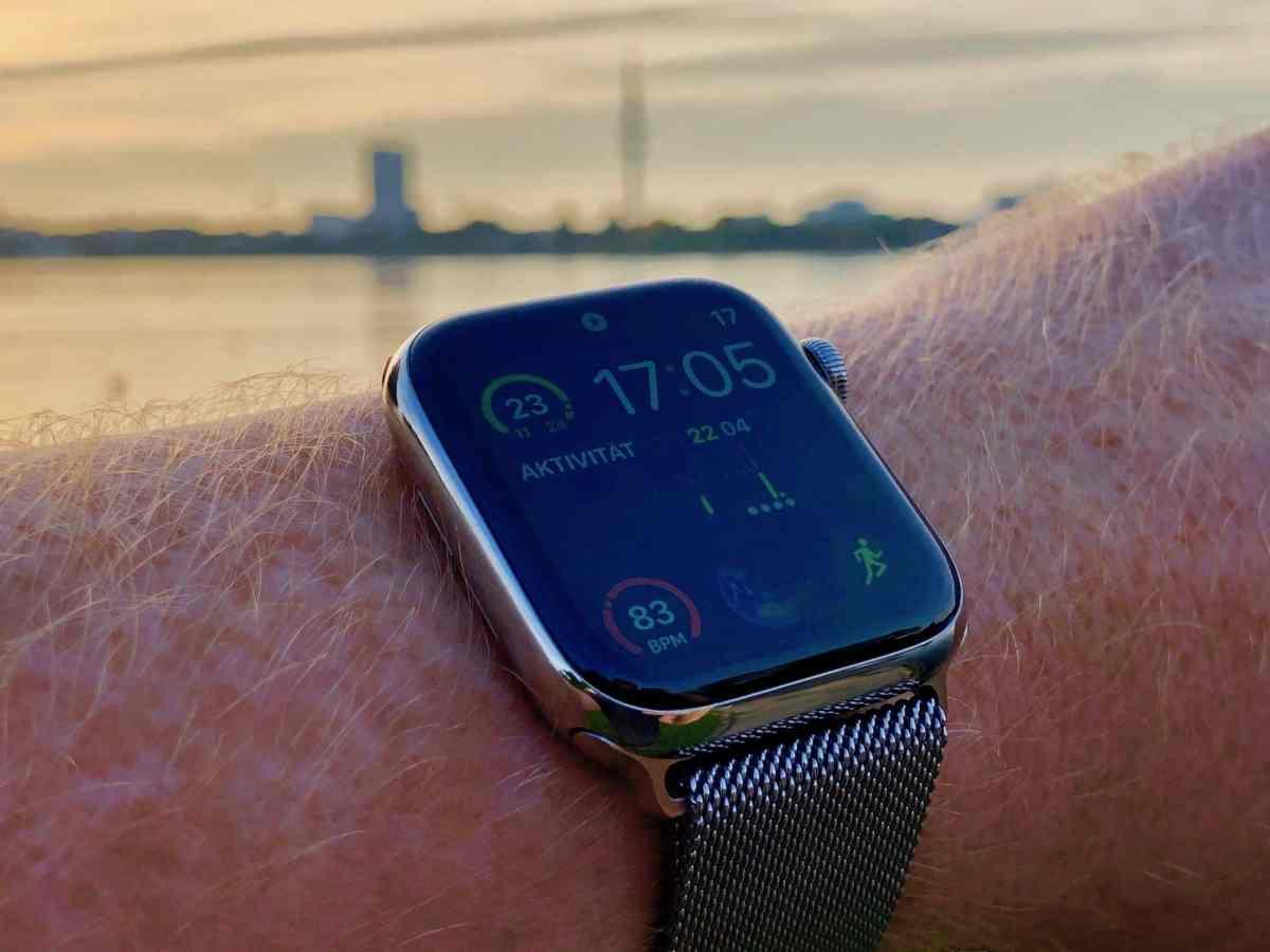Apple Watch Series 4 Edelstahl Silber im Test: Sportuhr einer neuen Zeit