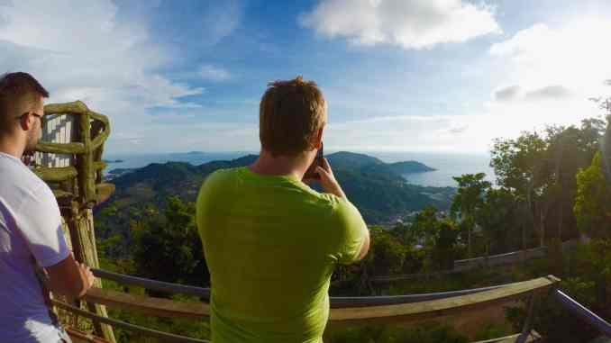 Schnell das Handy gezückt: Reicht das Smartphone im Urlaub als einzige Kamera? Wir geben Euch wertvolle iPhone-Foto-Tipps für euren nächsten Urlaub. Foto: Luisa Praetorius