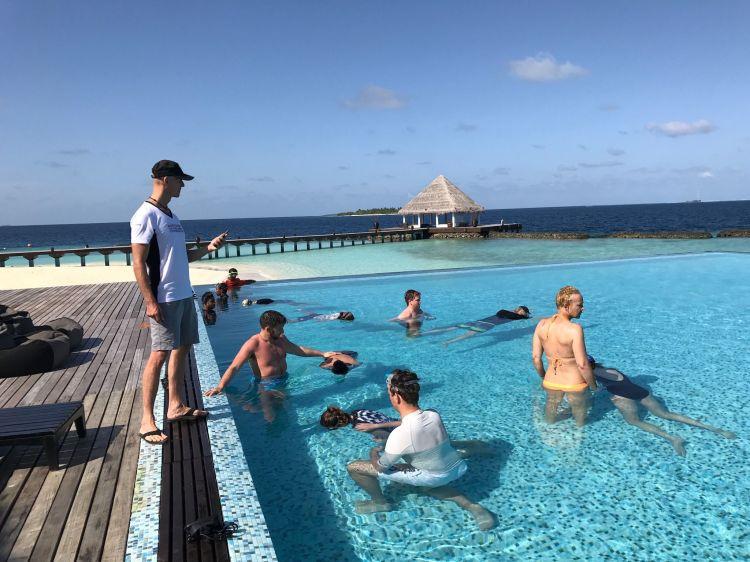 Herbert Nitsch hat auf den Malediven einen seiner seltenen Apnoe-Workshops gegeben – und ich war mit dabei. Foto: Jeanette Woldman