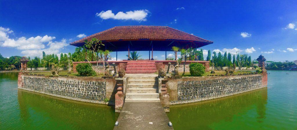 Beste Reisezeit für Lombok und Bali ist von Juli bis Oktober: nur leider lässt sich hier der Sommerurlaub nicht wirklich günstig buchen. Foto: Sascha Tegtmeyer