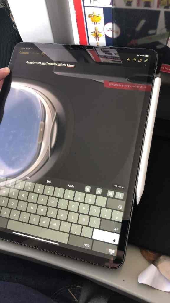 Ich kann besonders im Flugzeug sehr kreativ arbeiten – und das iPad Pro ist das ideale Gadget, um die Ideen festzuhalten. Foto: Sascha Tegtmeyer