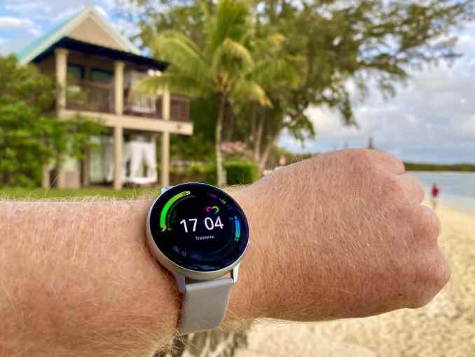Samsung Galaxy Watch Active 2 im Test: Wir haben die Smartwatch beim Sport im Urlaub ausprobiert. Foto: Sascha Tegtmeyer