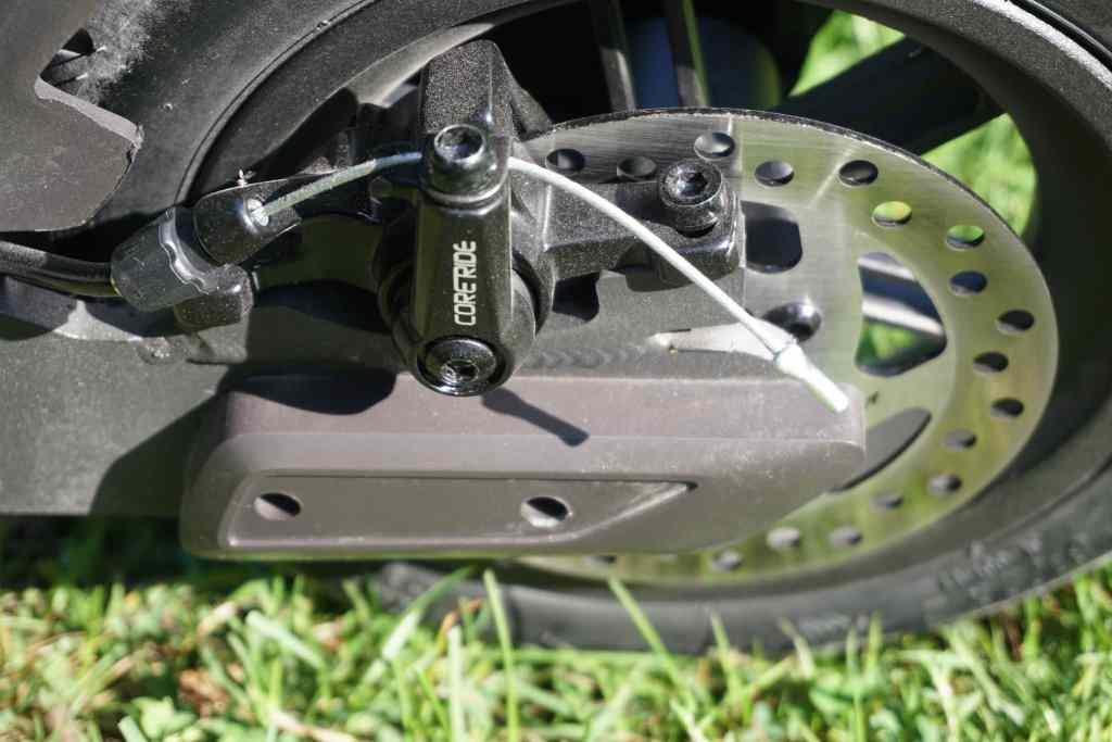 Zuverlässiges Bremssystem: die Sicherheit hat beim E-Scooter-Fahren höchste Priorität. Foto: Sascha Tegtmeyer