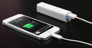 Photive-Portable-Charger-for-iPhone