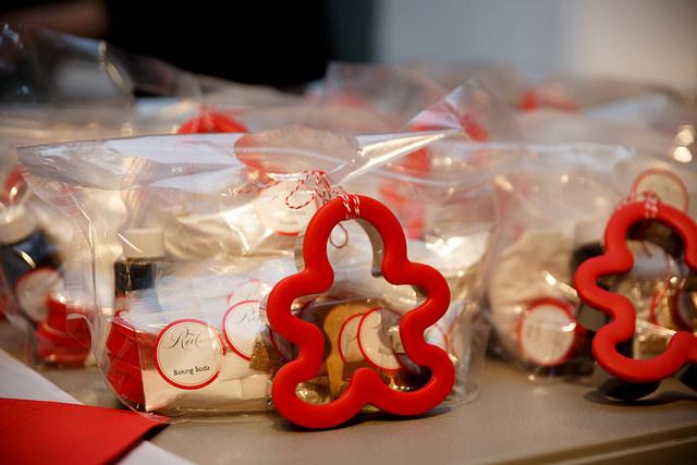 red velvet, redvelvet nyc, baking box, gingerbread cookies, gingerbreadman