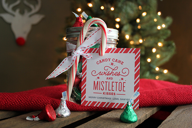 candy cane wishes and mistletoe kisses christmas gift idea, simple and sweet christmas gift idea, christmas gift idea, christmas printable tag, christmas free printable gift tag, christmas gift idea with free printable, just add confetti, just add confetti printables, simple and sweet gift idea, candy cane, hershey kisses, gift tags, free printable, teacher gift, neighbor gift, inexpensive christmas gift idea, inexpensive gift idea, mason jar gift idea, mason jar christmas gift idea, 5 minute gift idea