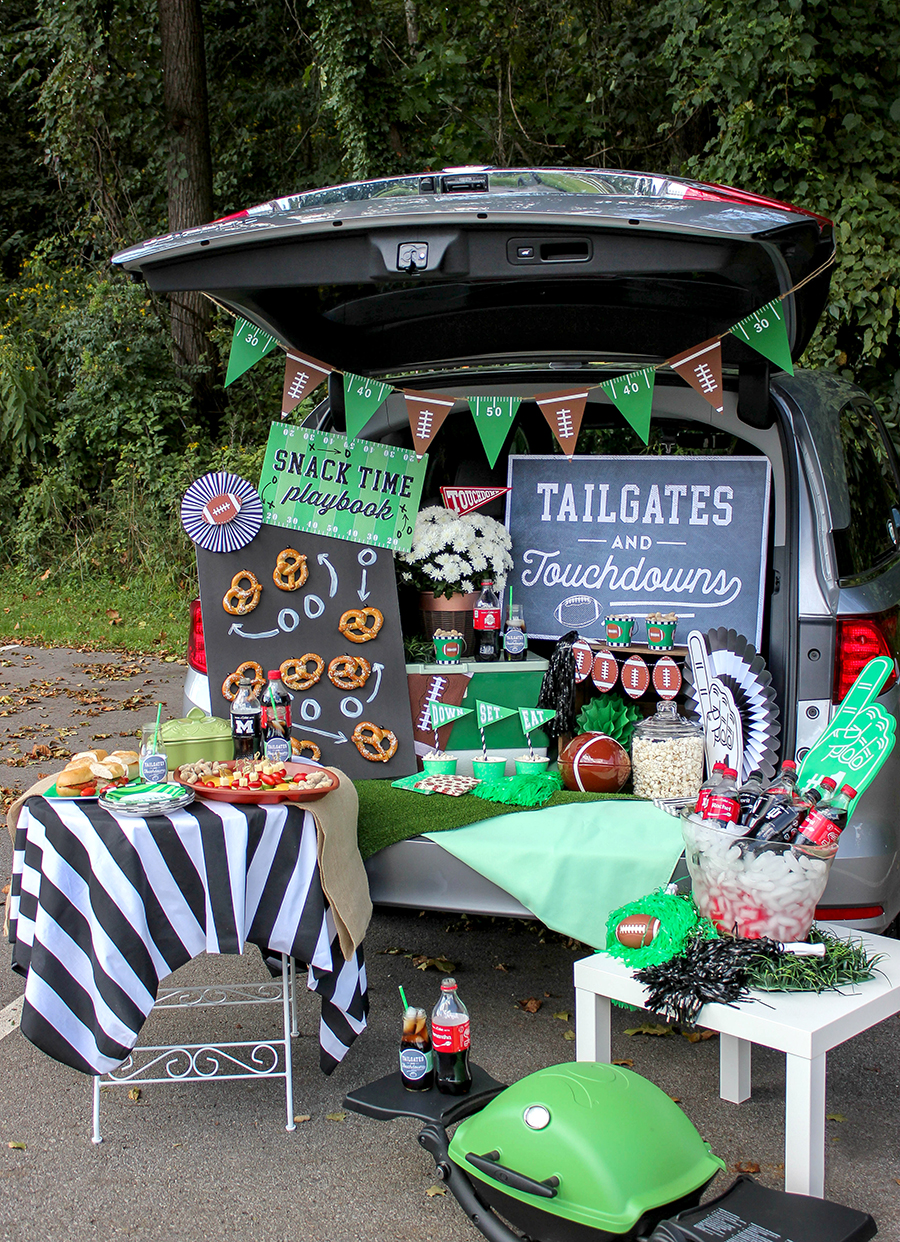 tailgates and touchdowns, easy and creative tailgate ideas, tailgate, football tailgate, pretzel wall, pretzel playbook, Coca-cola, partnership, sponsored, snack time playbook, Just Add Confetti, free printables, party printables, football, fall, down set eat, touchdowns, football printables,