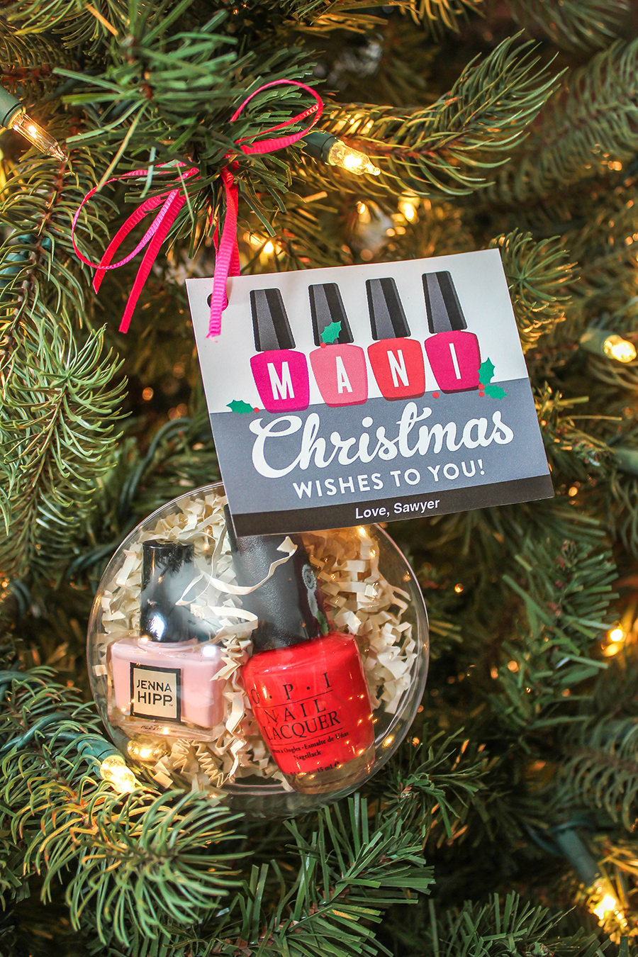 Mani Christmas Wishes nail polish gift idea, nail polish, mani, manicure, diy Christmas gift, Christmas gift ideas, Just Add Confetti, mani in ornament, diy christmas ornament, Mani Christmas wishes to you, free printable