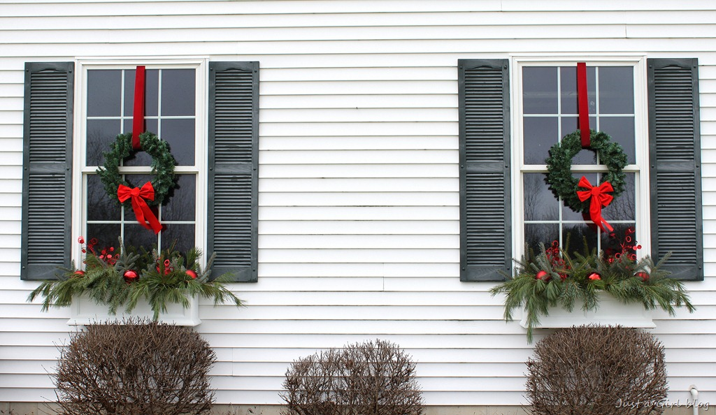 Winter Window Boxes {Lowes Creative Ideas}
