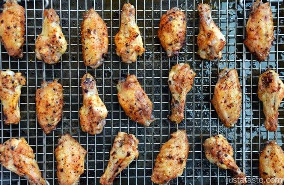 Crujientes al horno asiáticos alas de pollo