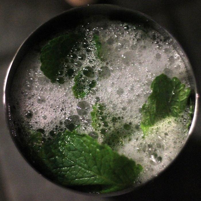 Midnight Kiss Cocktail Elderflower Prossecco