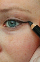 How To: The Basic Cat Eye