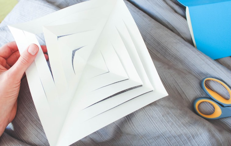 3-D Paper Snowflakes - the perfect DIY craft that you can leave up all winter long! - Just Bee