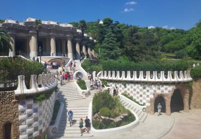 parc_guell_park_barcelona_entrance