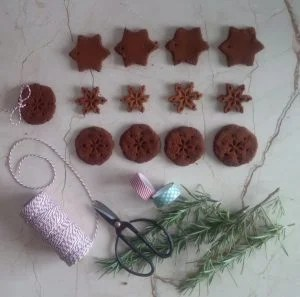 make your own cinnamon ornaments
