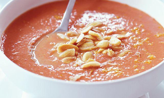 طريقة عمل شوربة الطماطم باللوز Just Food