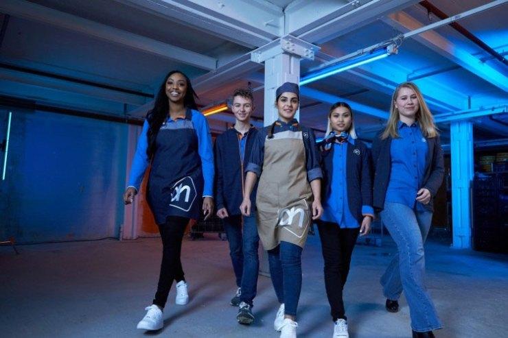 Nieuwe bedrijfskleding Albert Heijn groepsfoto