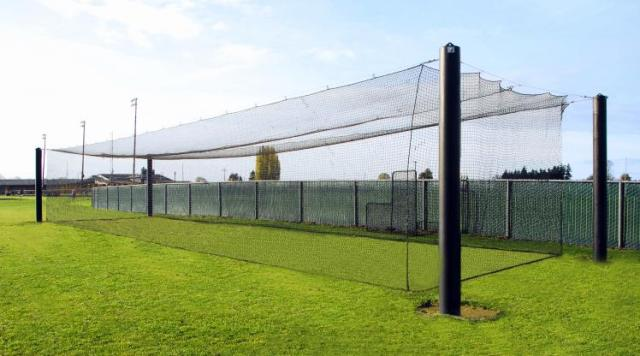 TOP 3 BEST PORTABLE BATTING CAGES FOR HOME USE