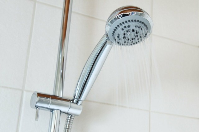 How to clean shower in the bathroom?