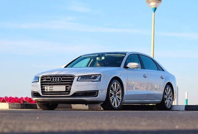 4 Luxury Cars You Can Rent from Car Rental Companies