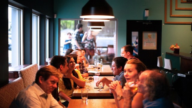 Tips for restauranteurs: How to make relationships stronger with online customers