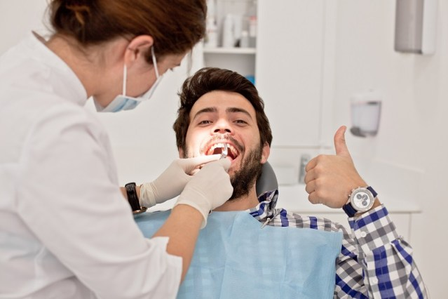 How Shaking Hands With Experienced Orthodontics Specialist Ensures A Healthy Oral Hygiene?