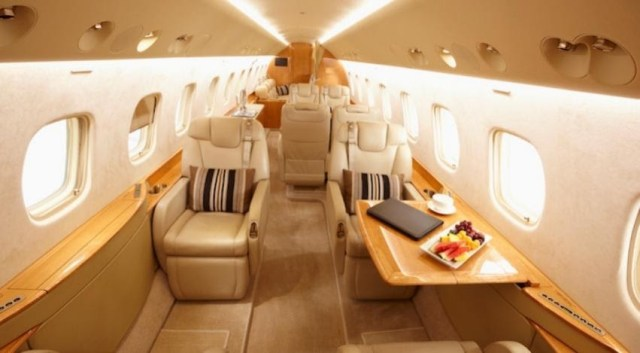 How to choose the best private jet charter to travel comfortably