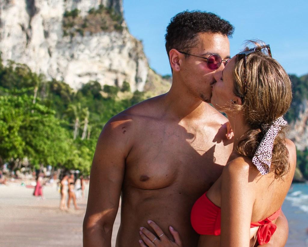 Kissing on Ao nang beach