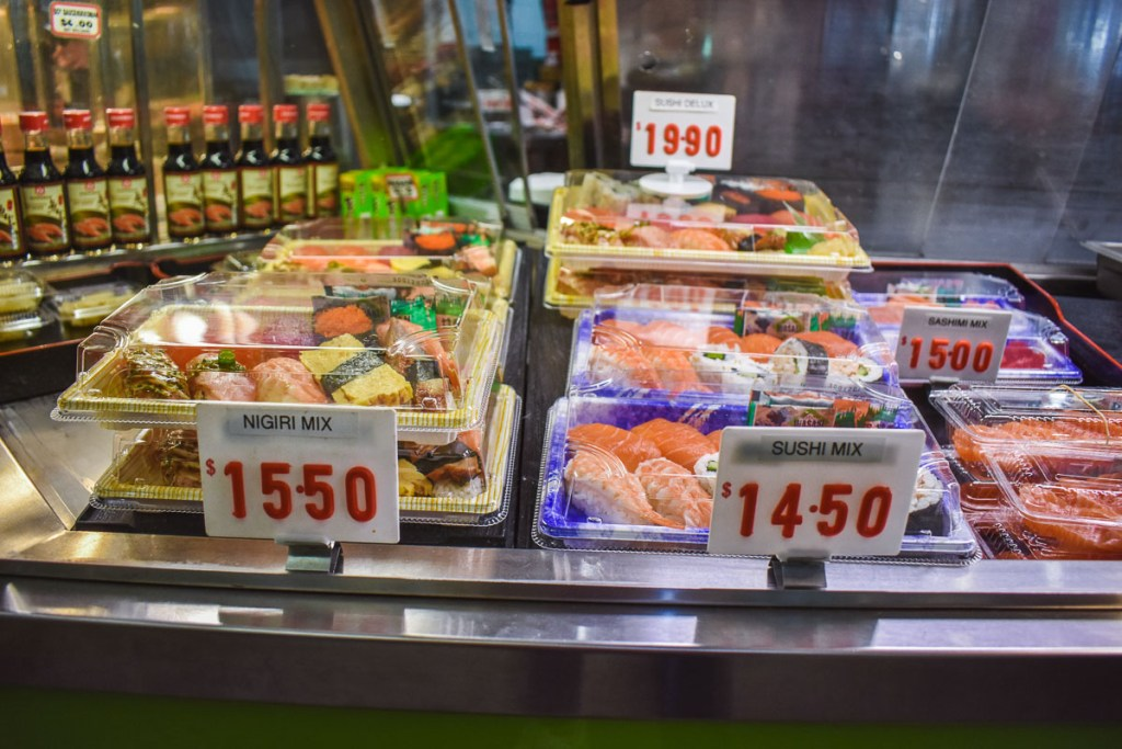 nigiri mix and sushi mix