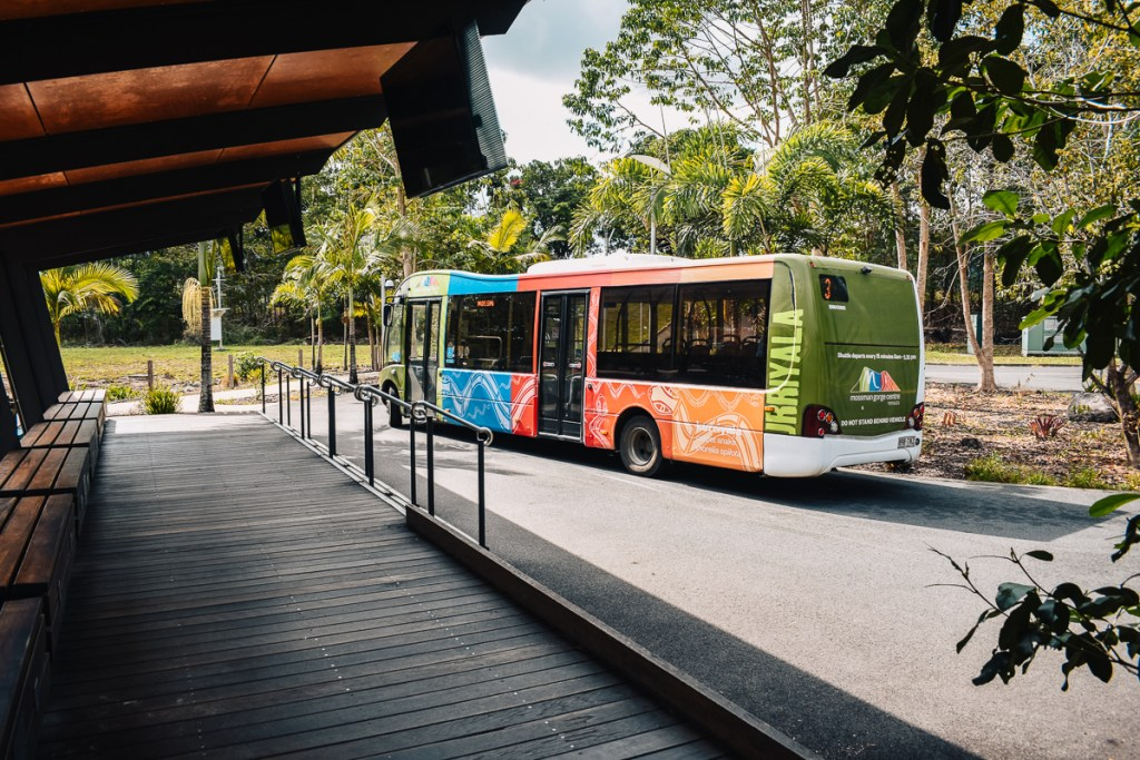 Mossman gorge shuttle bus