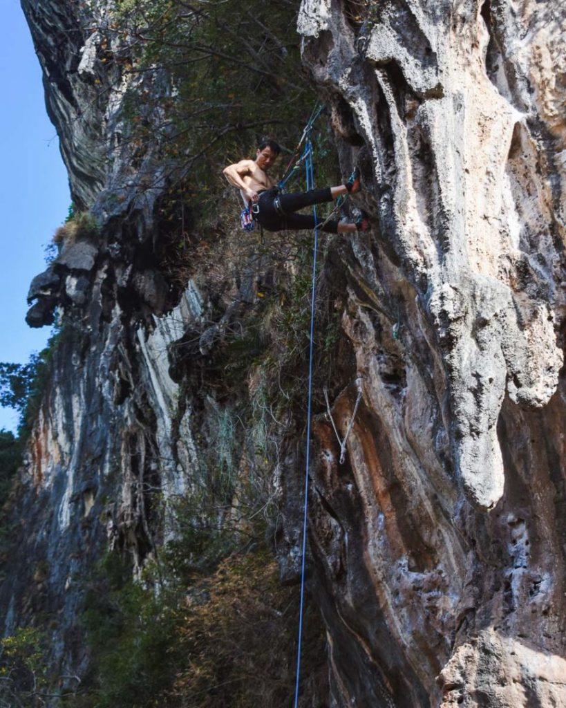rock climbing railay beach