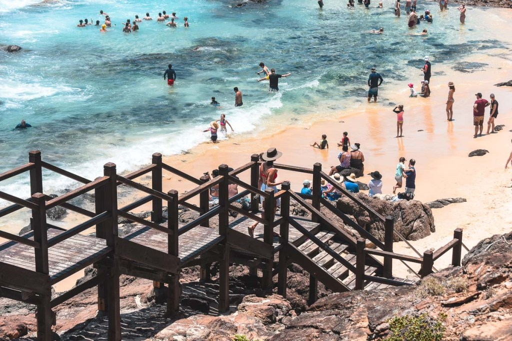 Busy beach at Champagne Pools