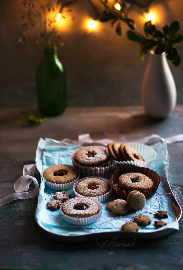 Eggless Linzer Cookies