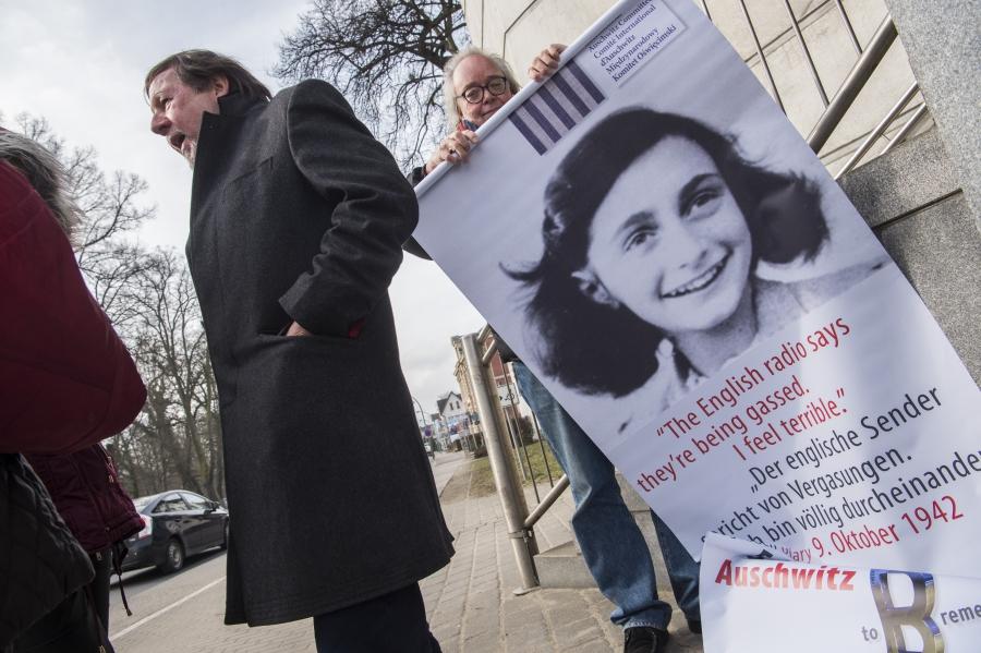"""Résultat de recherche d'images pour """"photos de l'infirmier nazi Hubert Zafke"""""""