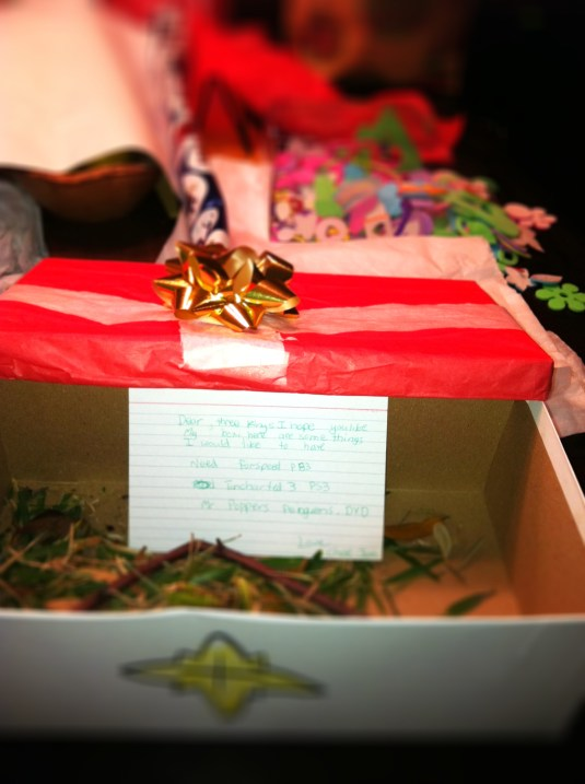 Shoe box decorated for Three Kings Day