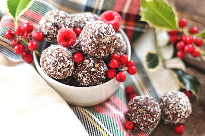 Dark Chocolate Raspberry Energy Bites // JustineCelina.com
