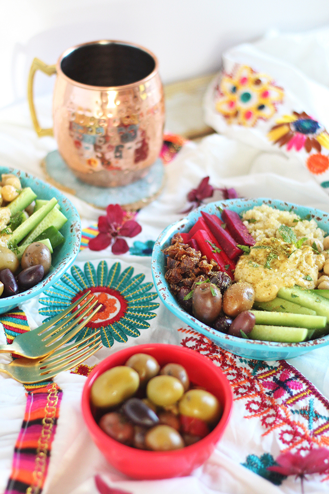 Mediterranean Rainbow Buddha Bowl | Created in Partnership with Sabra Canada #sponsored // JustineCelina.com | #glutenfree #dairyfree #vegan